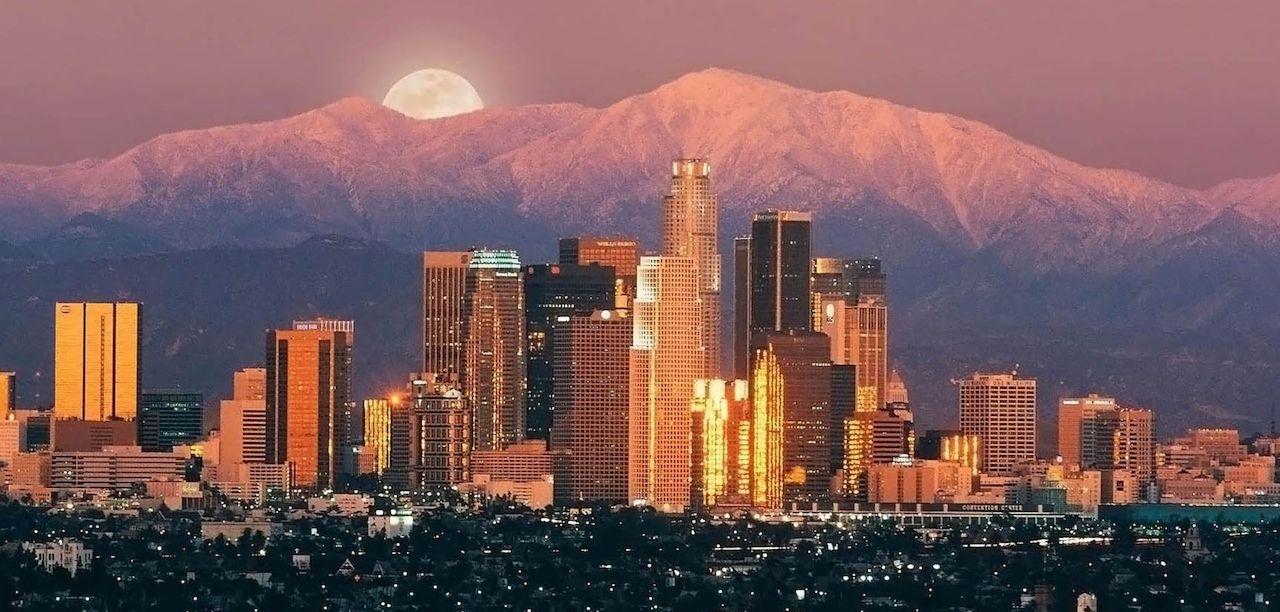 home-james-california-real-estate-los-angeles-moonrise